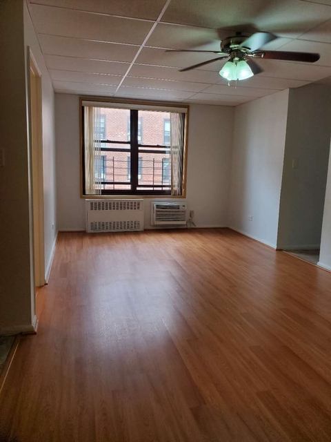 1 Bedroom, Dyker Heights Rental in NYC for $1,400 - Photo 1