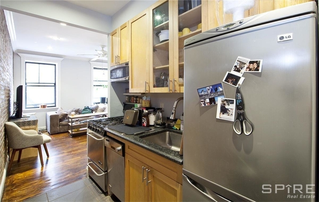 3 Bedrooms, Gramercy Park Rental in NYC for $4,281 - Photo 2