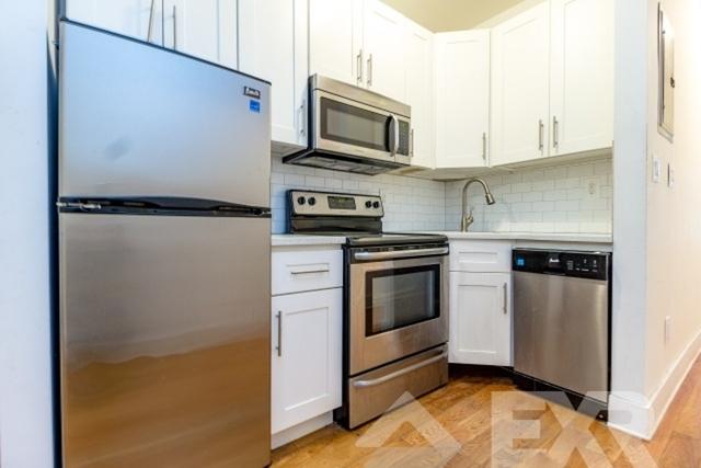 2 Bedrooms, Bushwick Rental in NYC for $2,344 - Photo 2