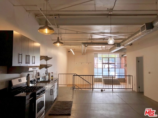 2 Bedrooms, Arts District Rental in Los Angeles, CA for $3,950 - Photo 1