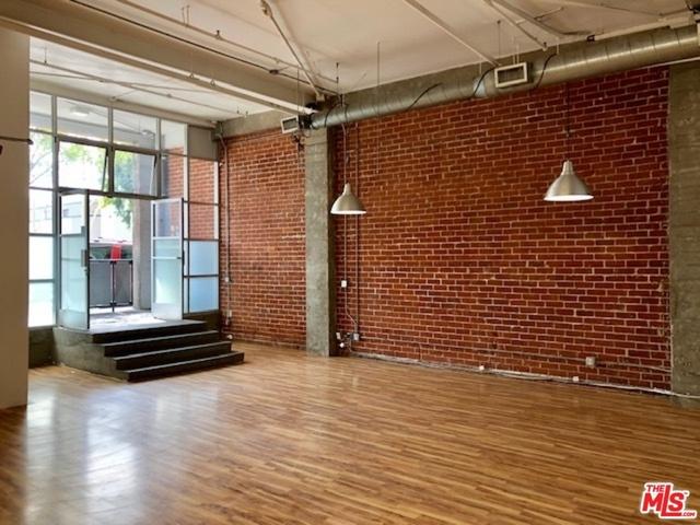 2 Bedrooms, Arts District Rental in Los Angeles, CA for $3,950 - Photo 2