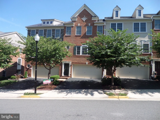 3 Bedrooms, Cascades Rental in Washington, DC for $2,800 - Photo 1