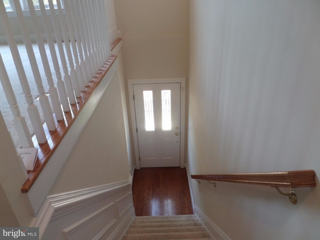3 Bedrooms, Cascades Rental in Washington, DC for $2,800 - Photo 2