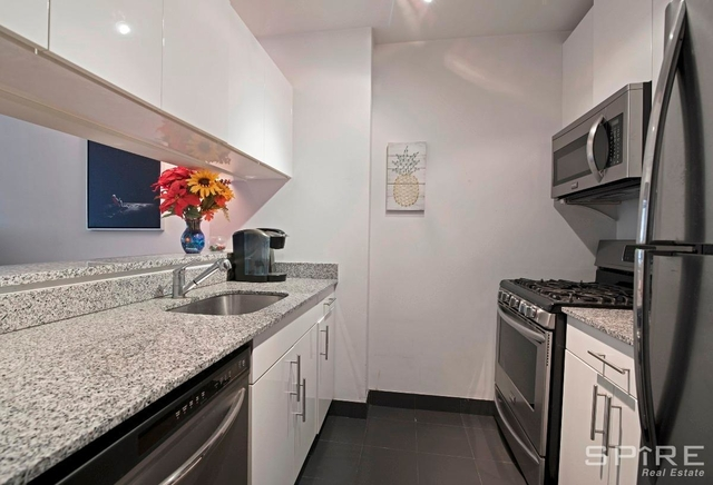 2 Bedrooms, Chelsea Rental in NYC for $5,163 - Photo 1