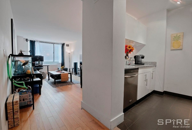 2 Bedrooms, Chelsea Rental in NYC for $5,163 - Photo 2