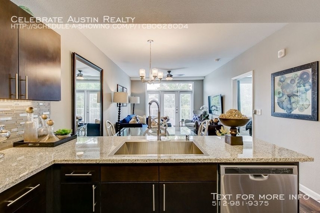 1 Bedroom, North Oaklawn Rental in Dallas for $2,040 - Photo 2