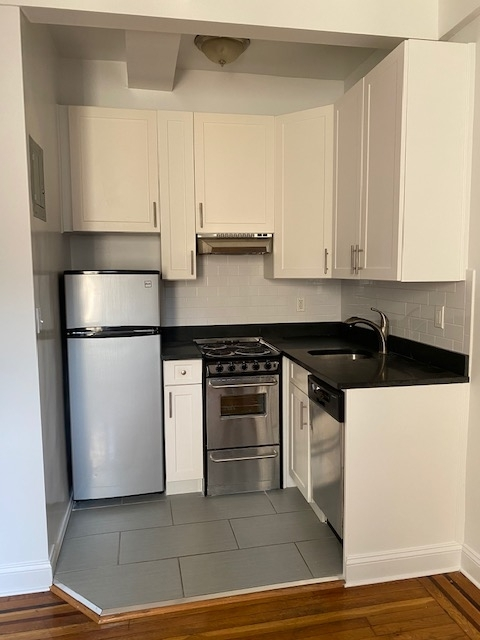 Studio, Chelsea Rental in NYC for $1,595 - Photo 2