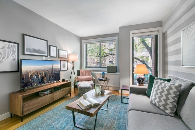 1 Bedroom, Chelsea Rental in NYC for $5,375 - Photo 2