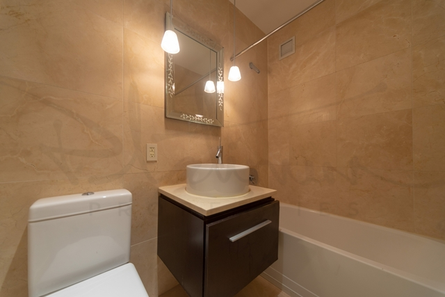 Studio, Financial District Rental in NYC for $1,971 - Photo 2