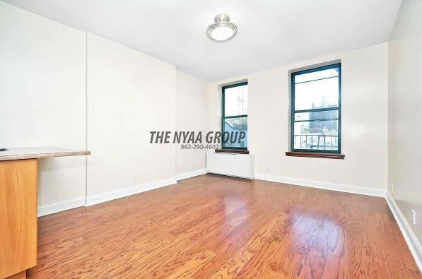 2 Bedrooms, Upper East Side Rental in NYC for $2,800 - Photo 2