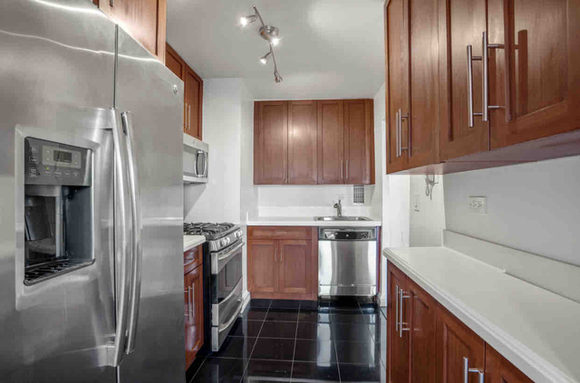 2 Bedrooms, Theater District Rental in NYC for $4,745 - Photo 1
