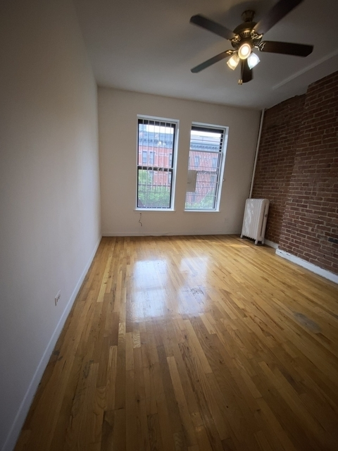 2 Bedrooms, Lincoln Square Rental in NYC for $2,500 - Photo 1