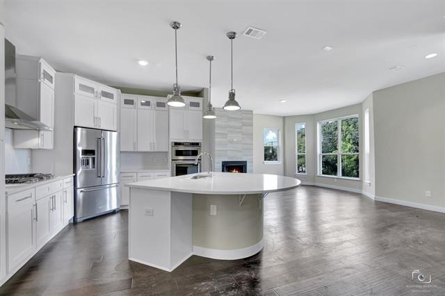 3 Bedrooms, Arlington Rental in Dallas for $2,695 - Photo 1