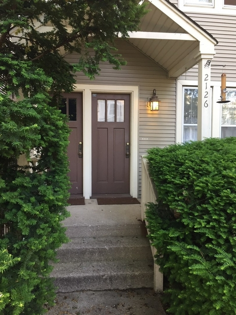 2 Bedrooms, Roscoe Village Rental in Chicago, IL for $1,590 - Photo 2