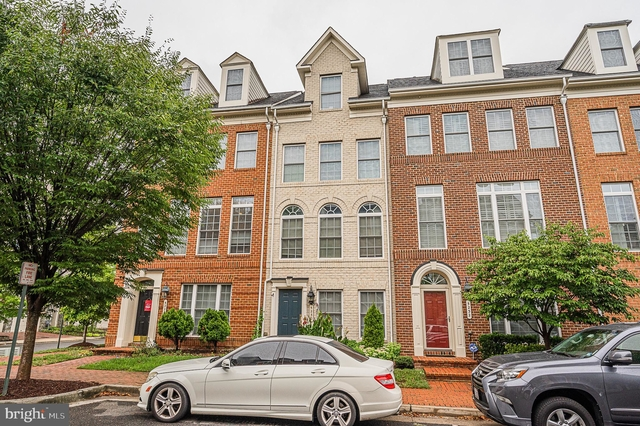 3 Bedrooms, Cameron Station Rental in Washington, DC for $3,000 - Photo 1