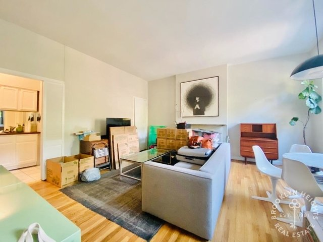 1 Bedroom, Cobble Hill Rental in NYC for $2,375 - Photo 2