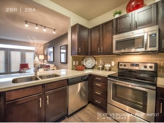 2 Bedrooms, Downtown Fort Worth Rental in Dallas for $2,298 - Photo 1