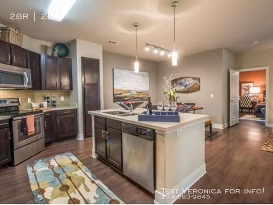2 Bedrooms, Downtown Fort Worth Rental in Dallas for $2,298 - Photo 2