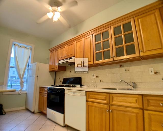 2 Bedrooms, Ridgewood Rental in NYC for $2,200 - Photo 2