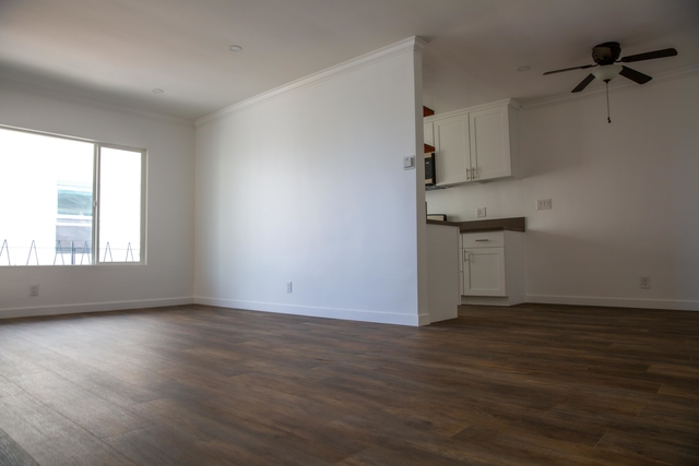 2 Bedrooms, CHAPS Rental in Los Angeles, CA for $2,499 - Photo 2
