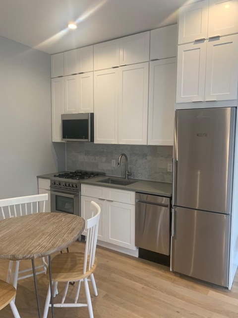 3 Bedrooms, Greenpoint Rental in NYC for $3,975 - Photo 2