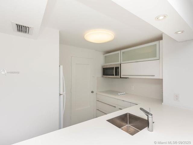 1 Bedroom, Altos Del Mar South Rental in Miami, FL for $1,485 - Photo 2