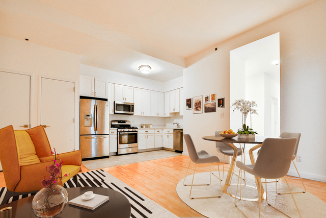 3 Bedrooms, Financial District Rental in NYC for $5,325 - Photo 2