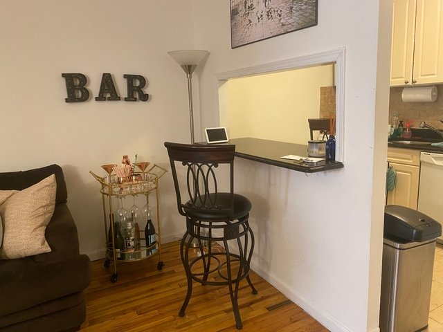 2 Bedrooms, Yorkville Rental in NYC for $2,842 - Photo 2