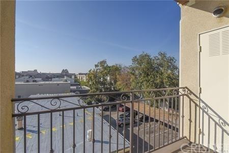 2 Bedrooms, Valley Village Rental in Los Angeles, CA for $2,895 - Photo 2