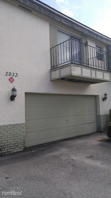 2 Bedrooms, Forest Hills Rental in Miami, FL for $1,375 - Photo 2