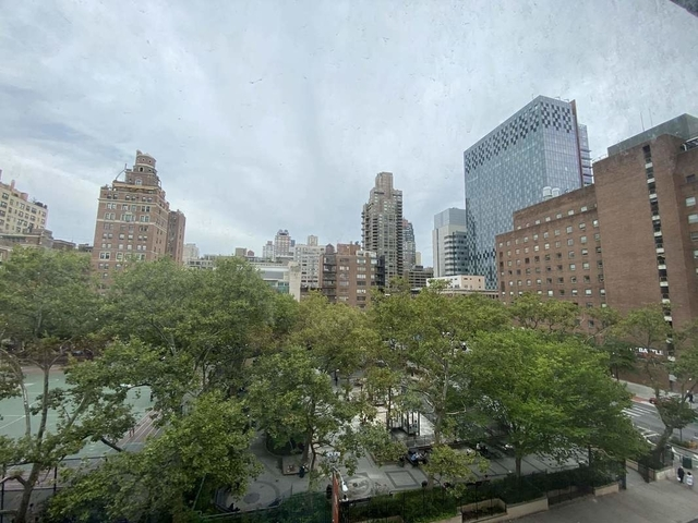2 Bedrooms, Upper East Side Rental in NYC for $3,987 - Photo 2