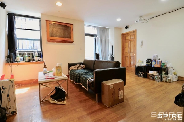 3 Bedrooms, Hell's Kitchen Rental in NYC for $3,200 - Photo 1