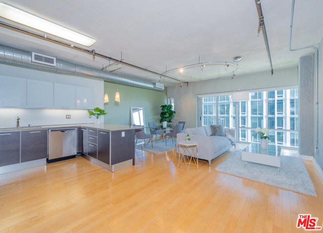 1 Bedroom, South Park Rental in Los Angeles, CA for $2,700 - Photo 1