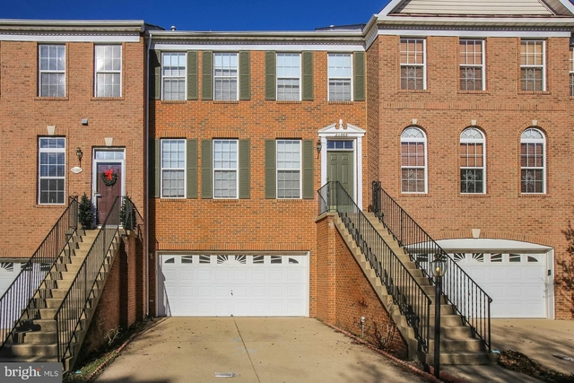 3 Bedrooms, Farmwell Hunt Rental in Washington, DC for $2,600 - Photo 1