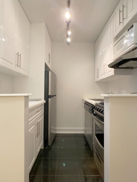 Studio, Lincoln Square Rental in NYC for $1,829 - Photo 1