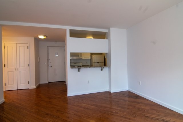 1 Bedroom, Chelsea Rental in NYC for $3,725 - Photo 2