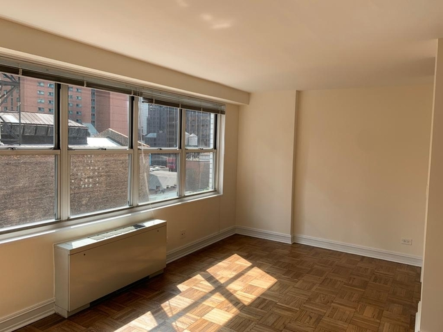 Studio, Theater District Rental in NYC for $2,167 - Photo 2