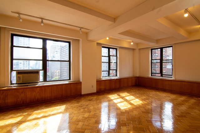 5 Bedrooms, Murray Hill Rental in NYC for $7,900 - Photo 1