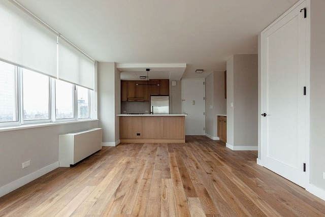 2 Bedrooms, Hell's Kitchen Rental in NYC for $4,895 - Photo 1