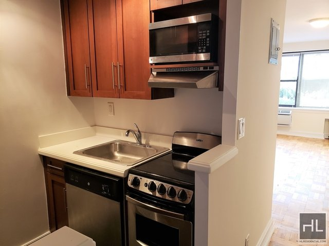 Studio, Lincoln Square Rental in NYC for $1,995 - Photo 2