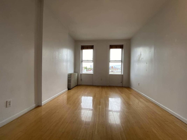 2 Bedrooms, Greenpoint Rental in NYC for $2,300 - Photo 1