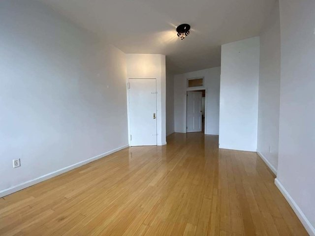 2 Bedrooms, Greenpoint Rental in NYC for $2,300 - Photo 2