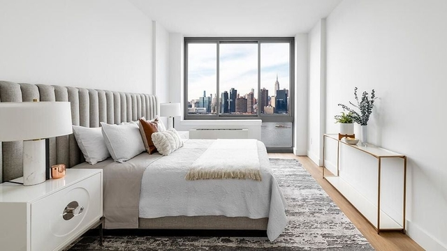 2 Bedrooms, Hunters Point Rental in NYC for $4,371 - Photo 1