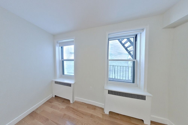 2 Bedrooms, Chelsea Rental in NYC for $5,400 - Photo 2