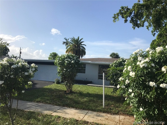 3 Bedrooms, West Park Rental in Miami, FL for $2,300 - Photo 2
