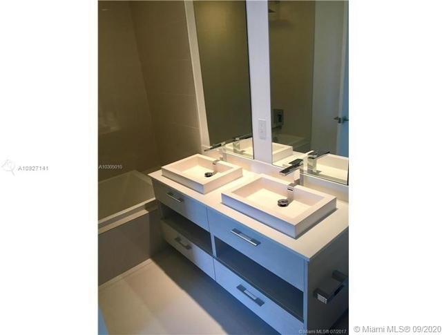 1 Bedroom, Mary Brickell Village Rental in Miami, FL for $2,500 - Photo 2
