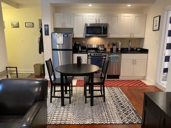 1 Bedroom, Rose Hill Rental in NYC for $1,655 - Photo 2