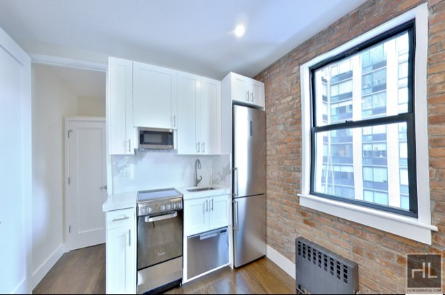 3 Bedrooms, Chelsea Rental in NYC for $3,995 - Photo 2