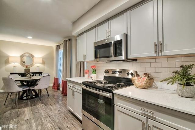 2 Bedrooms, Northwest Harris Rental in Houston for $927 - Photo 1