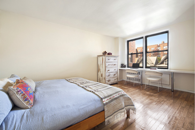 3 Bedrooms, Gramercy Park Rental in NYC for $4,970 - Photo 2
